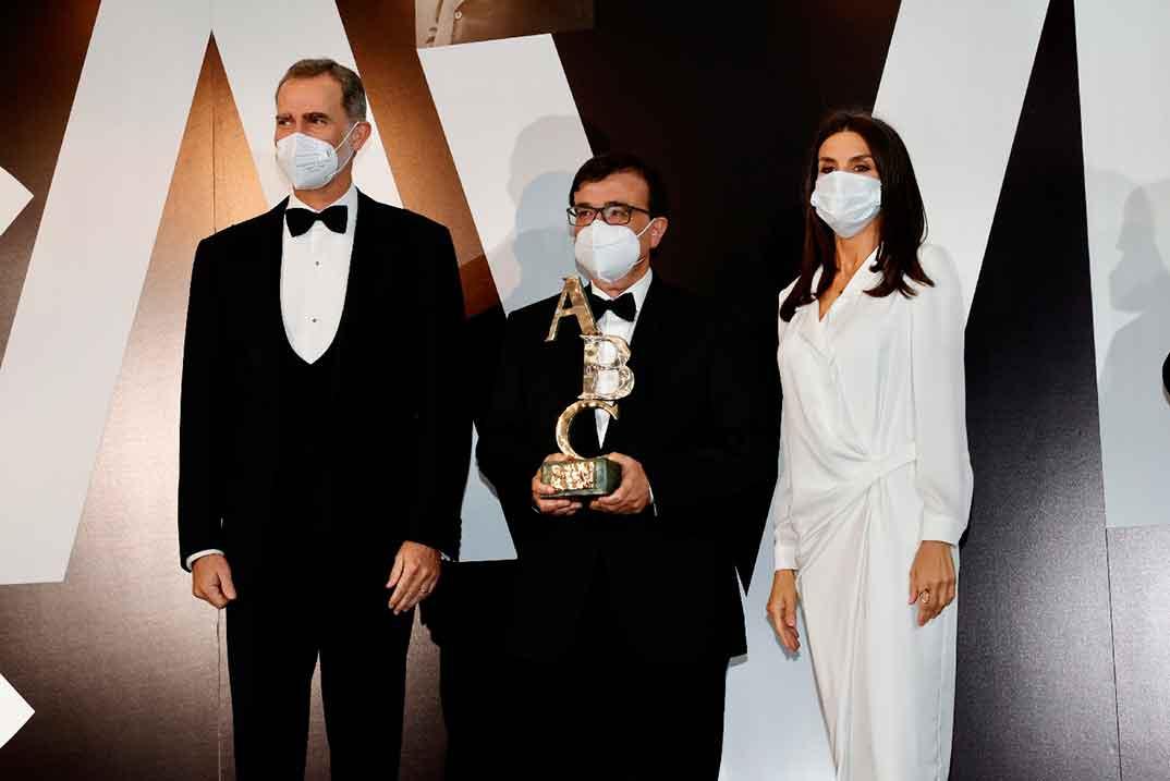 Reyes Felipe y Letizia - Premios Internacionales de Periodismo de ABC © Casa S.M. El Rey