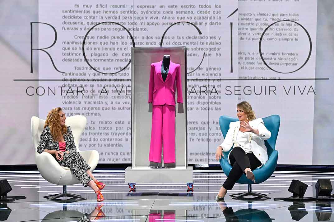 Rocío Carrasco y Carlota Corredera- 'Rocío. Contar la verdad para seguir viva' © Mediaset