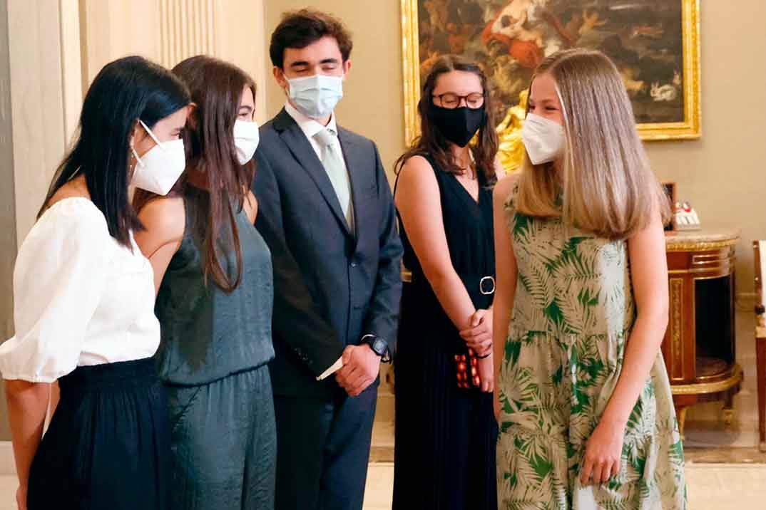 La princesa Leonor se reúne con sus futuros compañeros de internado