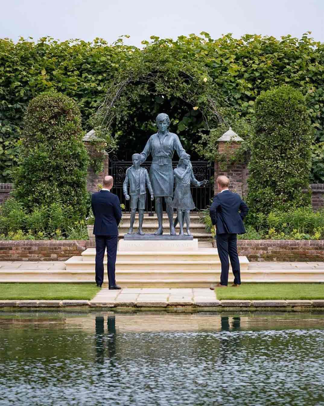 Príncipe Guillermo y Príncipe Harry © dukeandduchessofcambridge