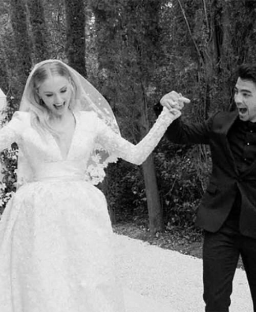 Sophie Turner y Joe Jonas celebran dos años de casados con fotos inéditas de su boda
