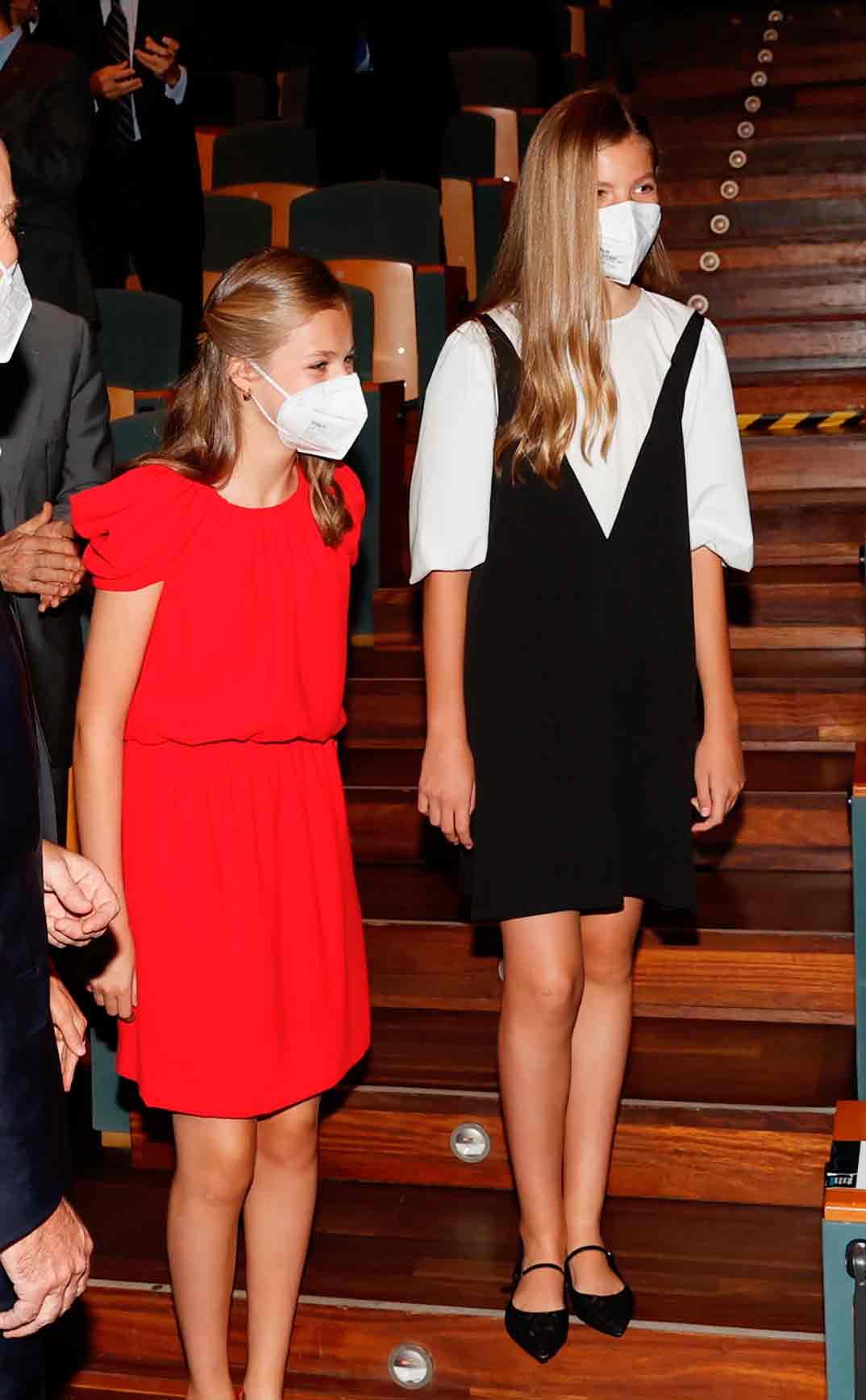 Princesa Leonor e Infanta Sofía - Premios Princesa Girona © Casa Real SM El Rey