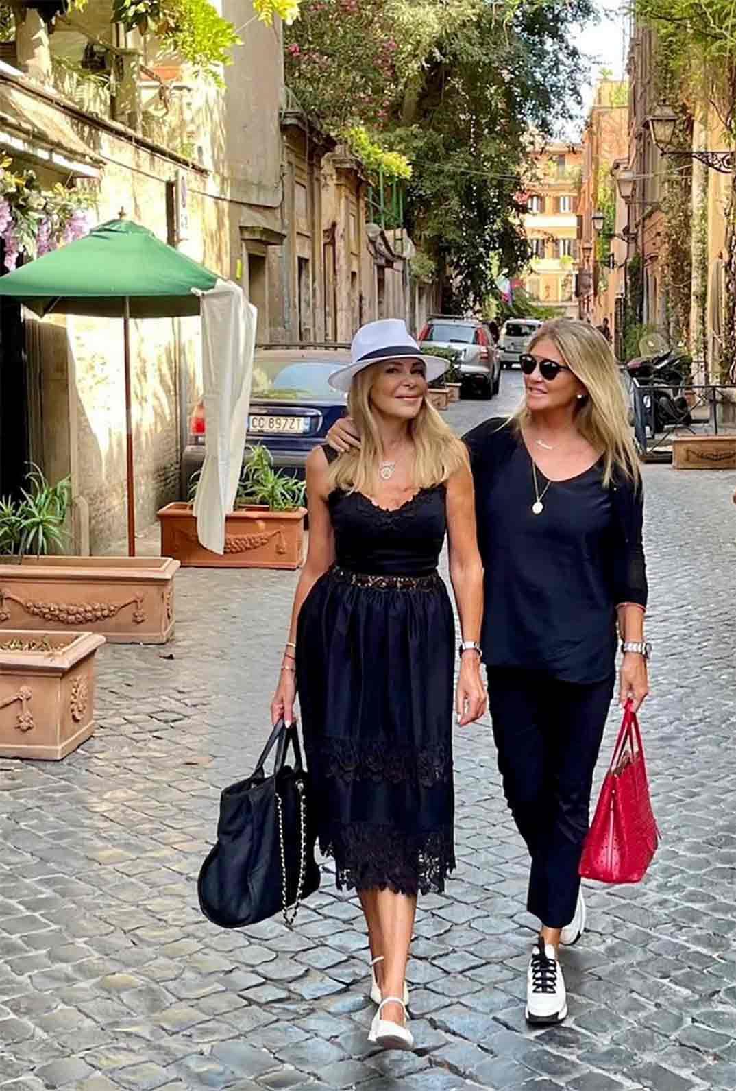 Ana Obregón y Susana Uribarri © Instagram