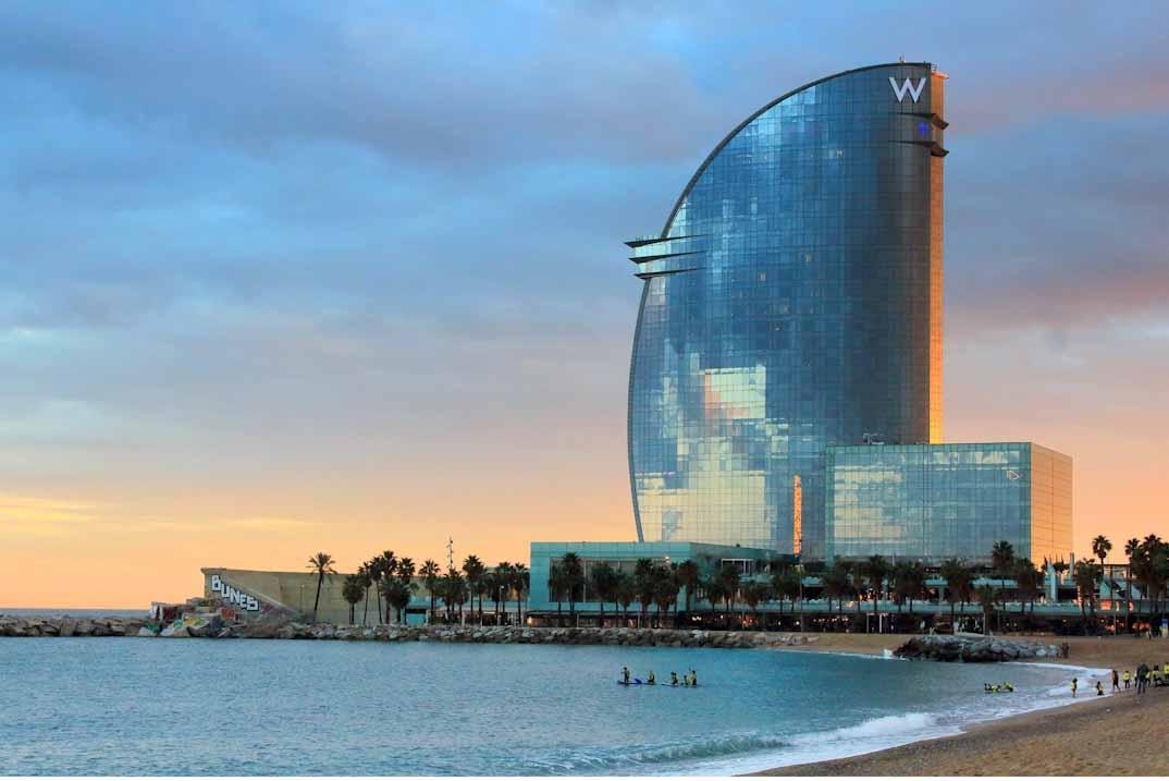 Top 5 destinos de costa a los que puedes llegar en AVE