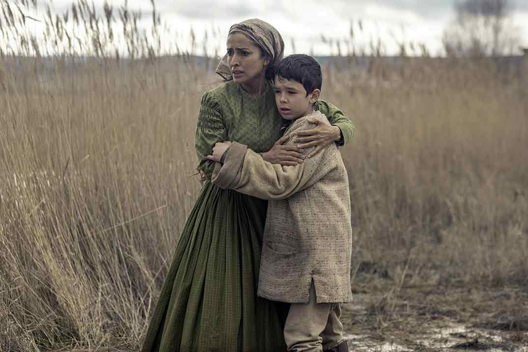 Inma Cuesta y Asier Flores - El páramo © Netflix