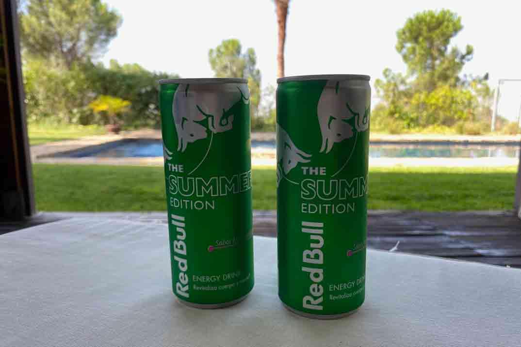 Disfruta del verano con el nuevo lanzamiento de Red Bull: The Summer Edition sabor Fruta del dragón