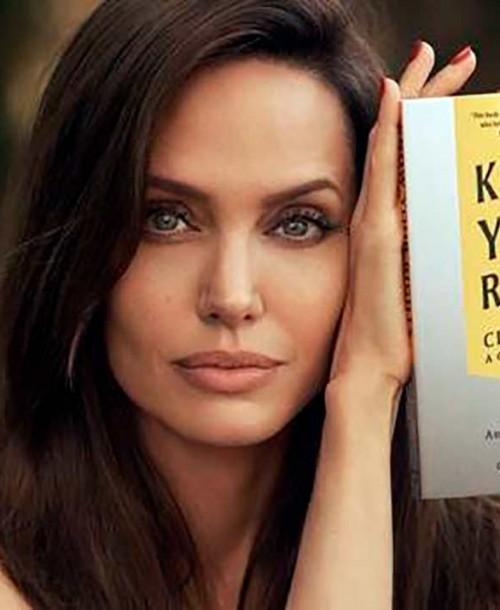 Angelina Jolie asegura que temió por la seguridad de su familia mientras estaba casada con Brad Pitt