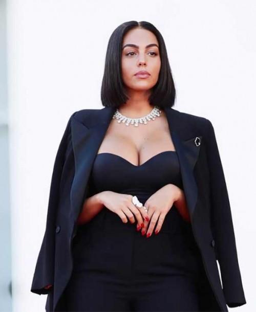 Georgina Rodríguez deslumbra en el Festival de Venecia con su nuevo look