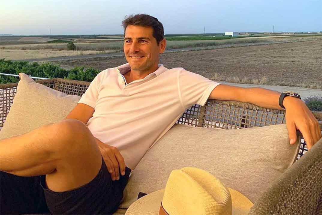 Iker Casillas se despide del verano con nostalgia y lanzando un piropo a Sara Carbonero