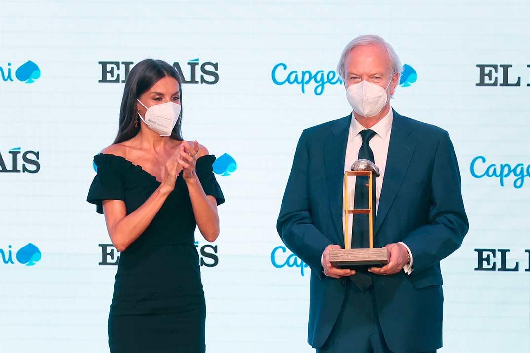 El sofisticado look de la reina Letizia en los Premios Retina Eco 2021