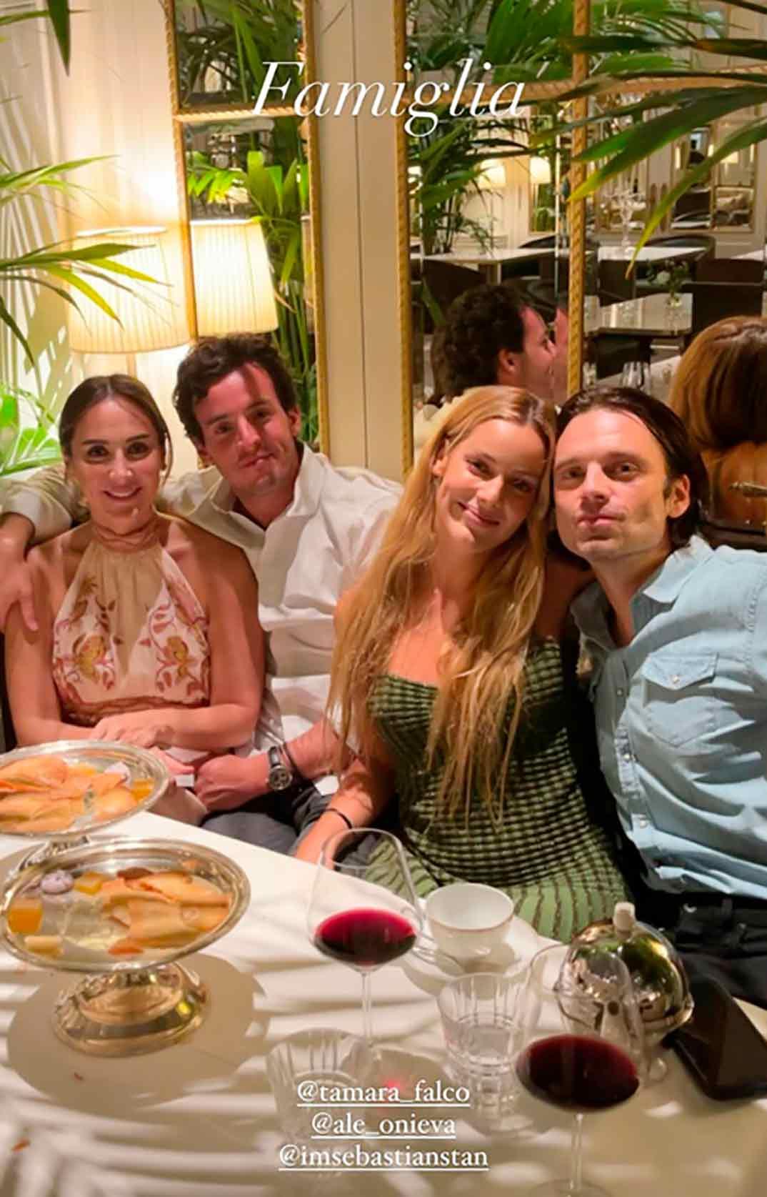 Tamara Falcó, Íñigo Onieva, Alejandra Onieva y Sebastian Stan © Instagram