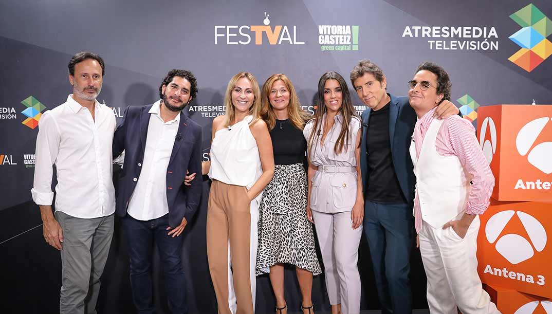 Manel Fuentes con Ruth Lorenzo, Ana Milán, Josie y El Monaguillo - Veo cómo cantas - FestVal Vitoria © Antena 3