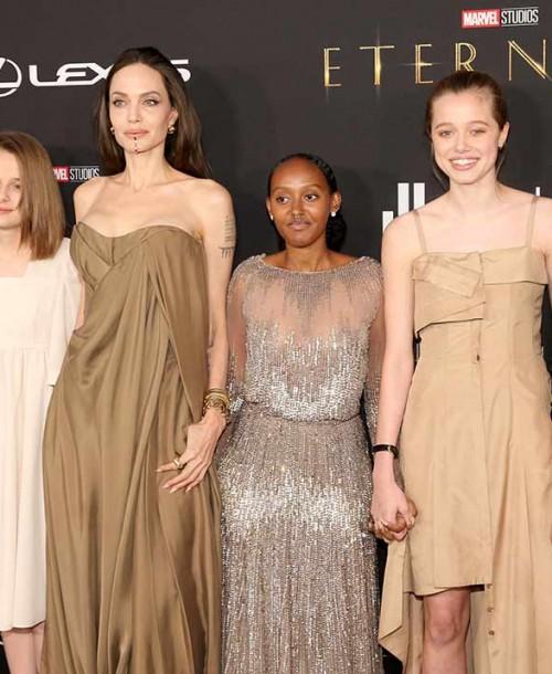 Angelina Jolie le presta a su hija Zahara el vestido que lució en los Oscar hace siete años