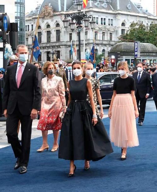 Premios Princesa de Asturias 2021: Los looks de la reina Letizia y sus hijas Leonor y Sofía