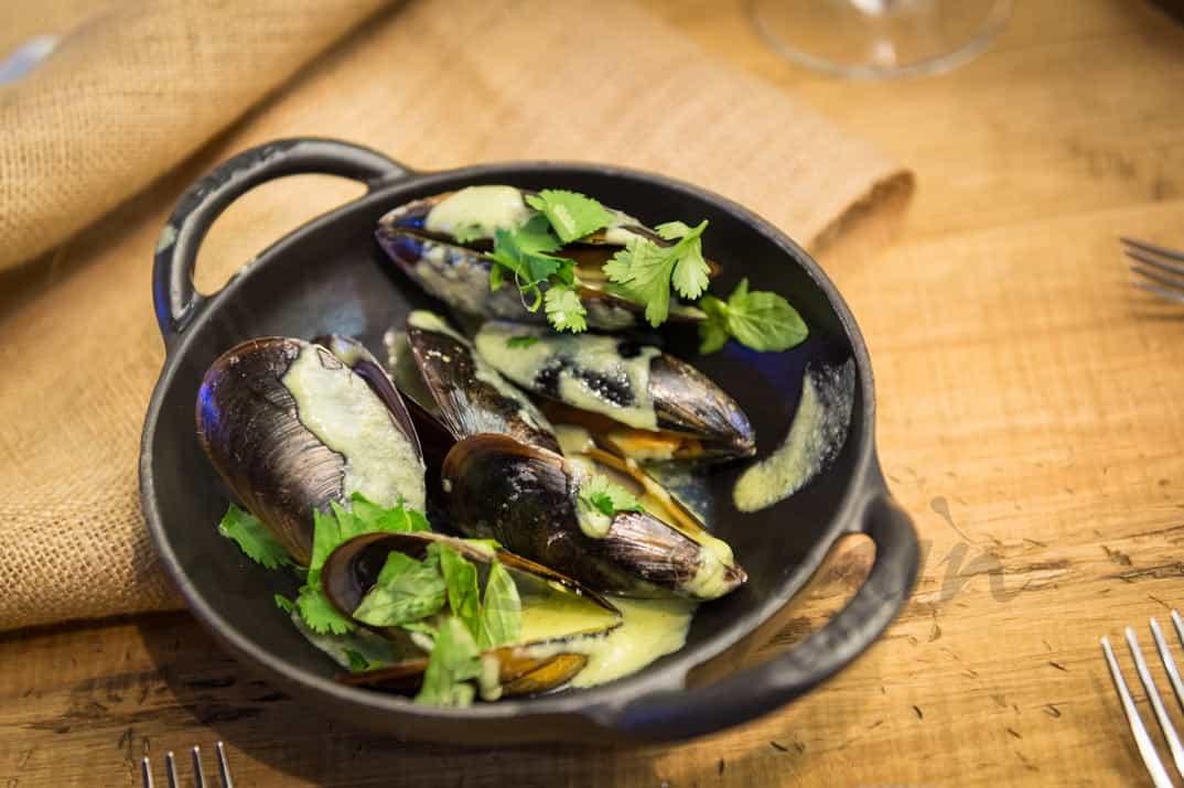 Atlántico – Mejillones al curry verde