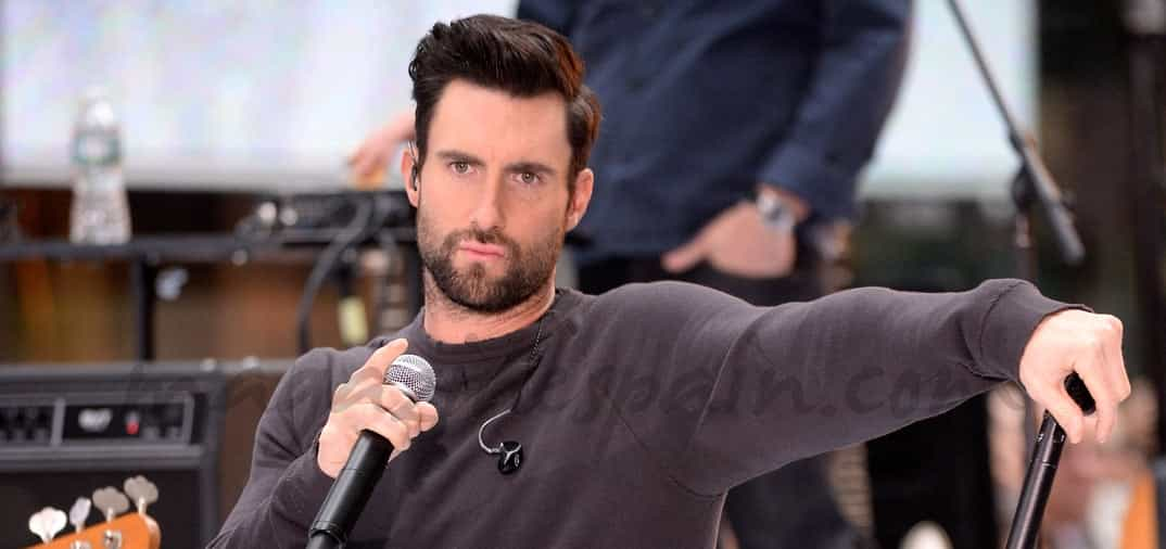 El lider del grupo Maroon 5, Adam Levine, el hombre más sexy del mundo