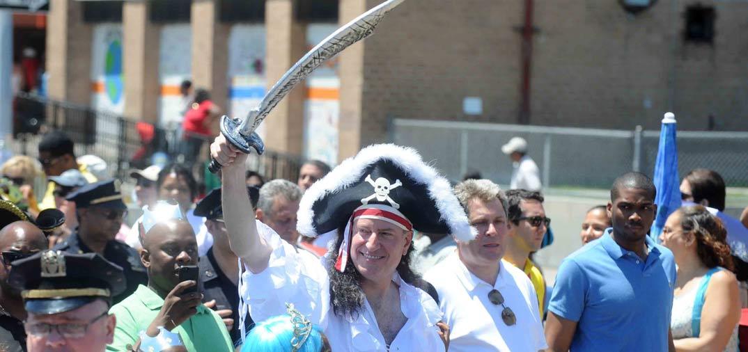 El Alcalde de Nueva York… Todo un pirata…