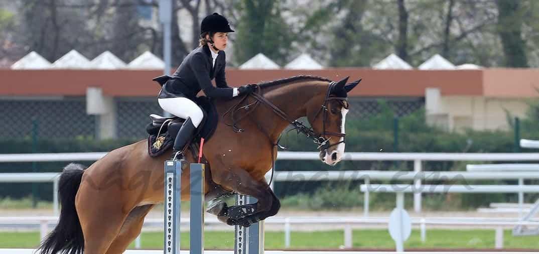 Carlota Casiraghi de nuevo a lomos de su caballo