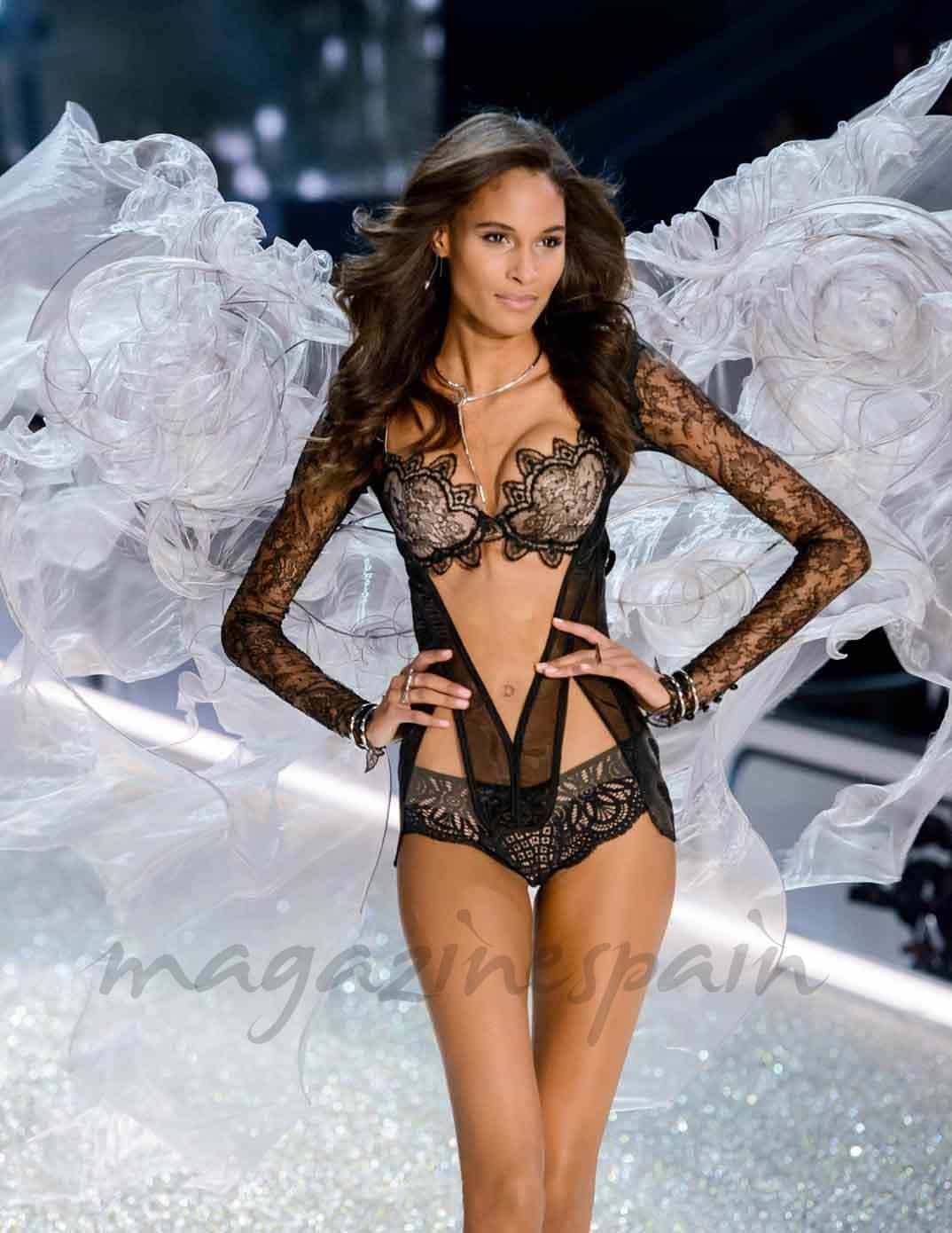 cindy bruna en paris angel de victorias secret