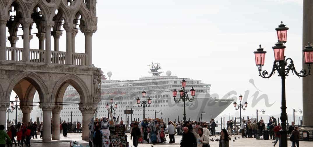 Los cruceros crean un problema en Venecia