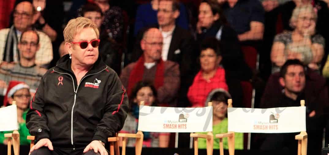 Elton John por los suelos