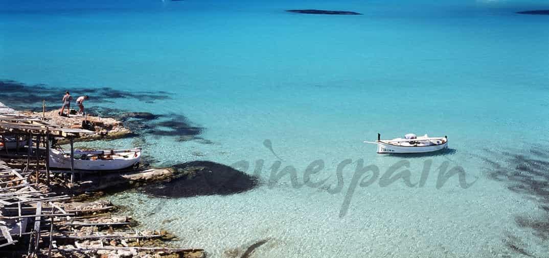 Viaja a las playas de Formentera