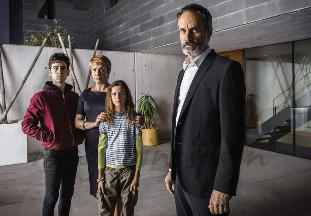 Grupo Familia Elias - Se quien eres - © Mediaset
