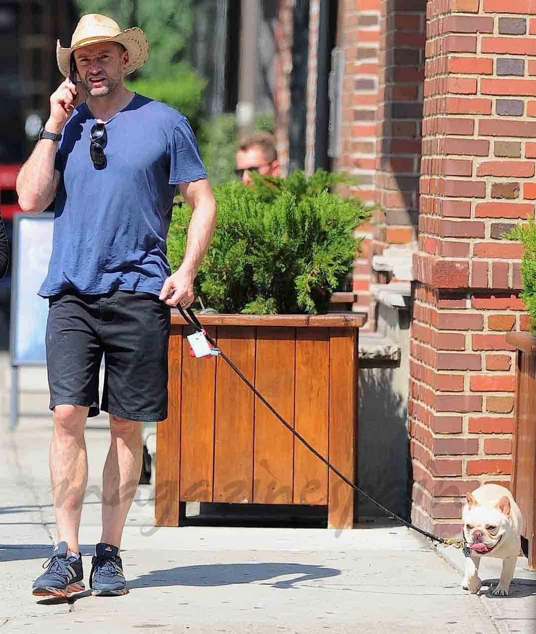Hugh-Jackman-y-su-perro