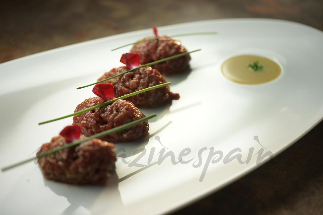 Steak Tartare con salsa rossini