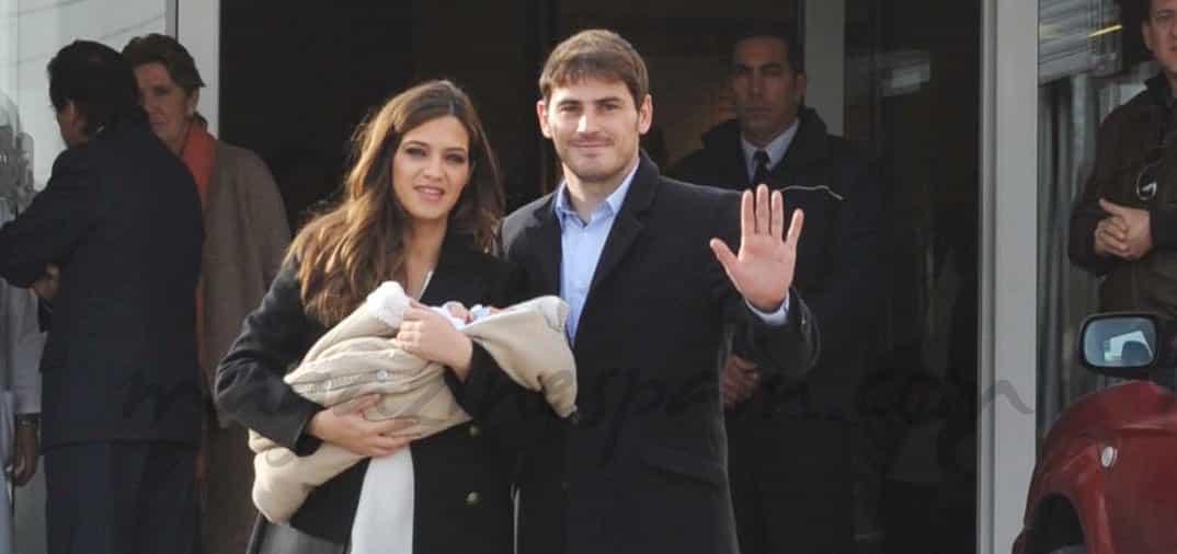 Sara Carbonero e Iker Casillas, presentan a Martin