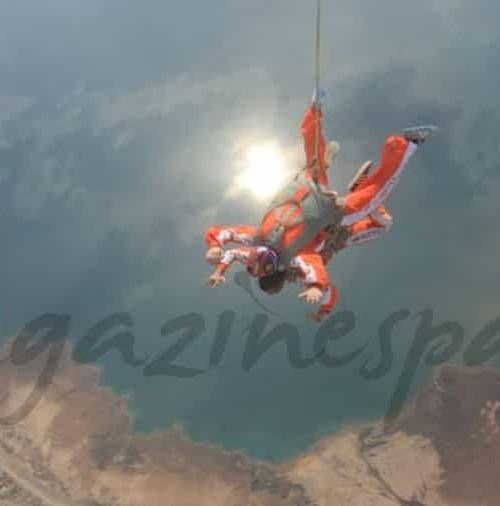 Paracaidismo en el punto mas bajo de la tierra