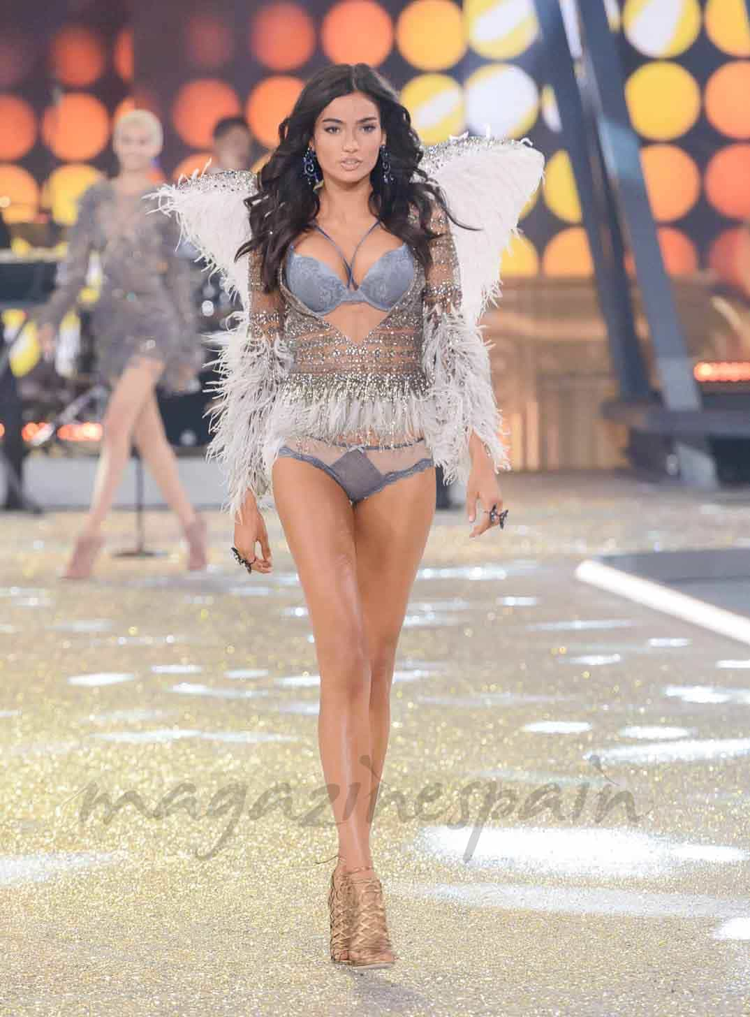 kellu gale en paris angel de victorias secret