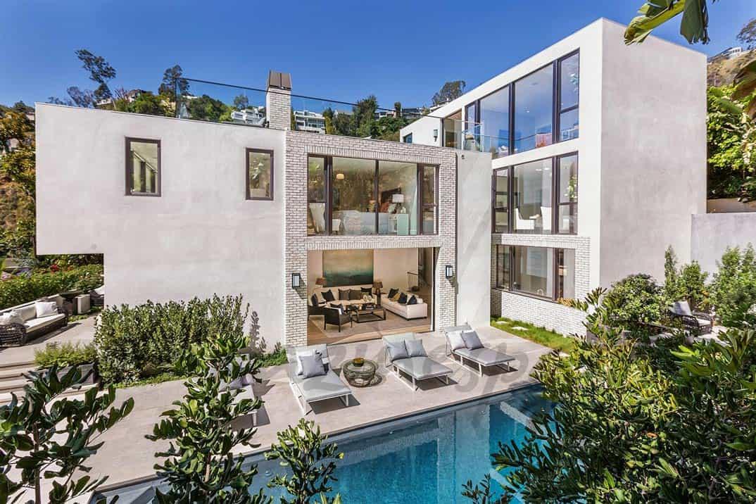 Villas For Sale Kendall