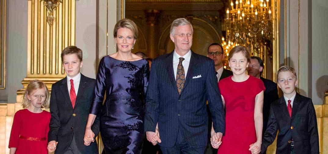 Felipe y Matilde de Bélgica con sus hijos en el concierto de Navidad