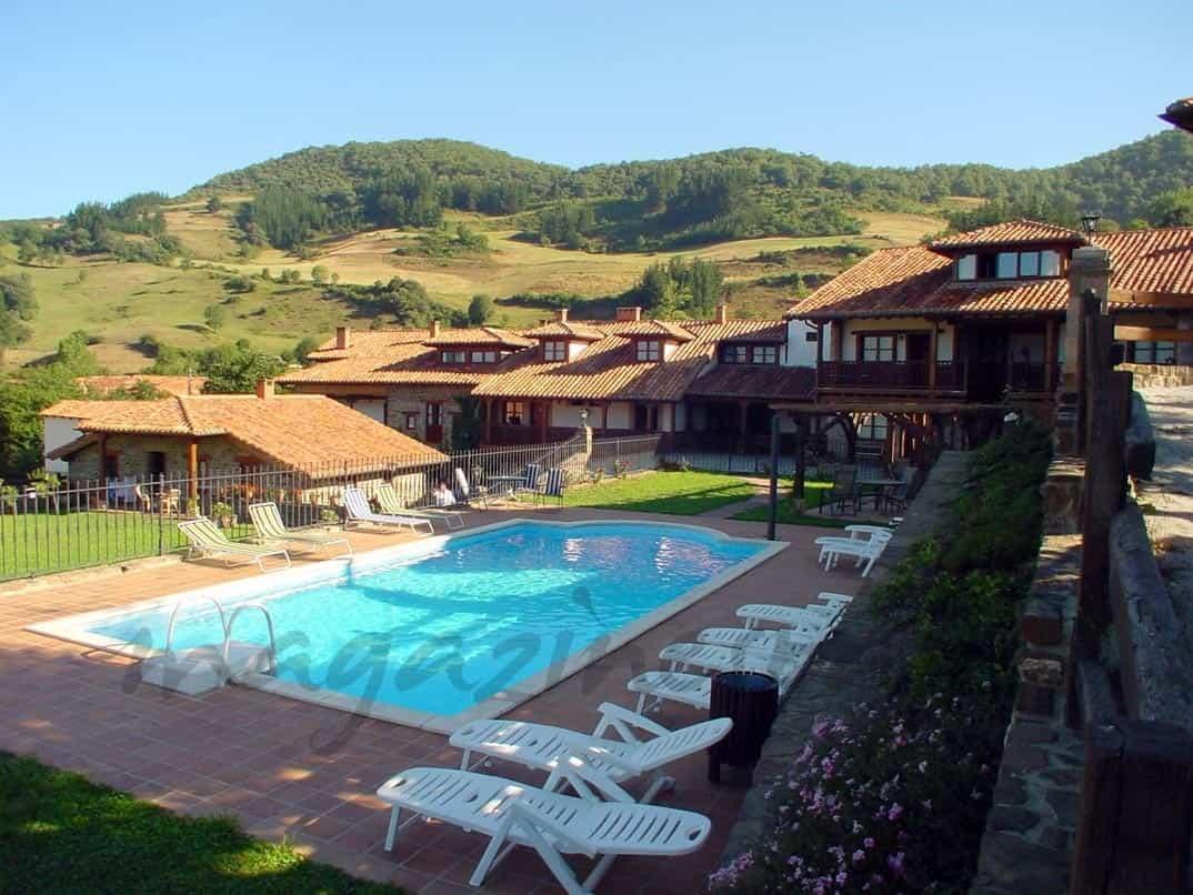 Piscina y barbacoa lo m s buscado en turismo rural for Las mejores casas rurales con piscina