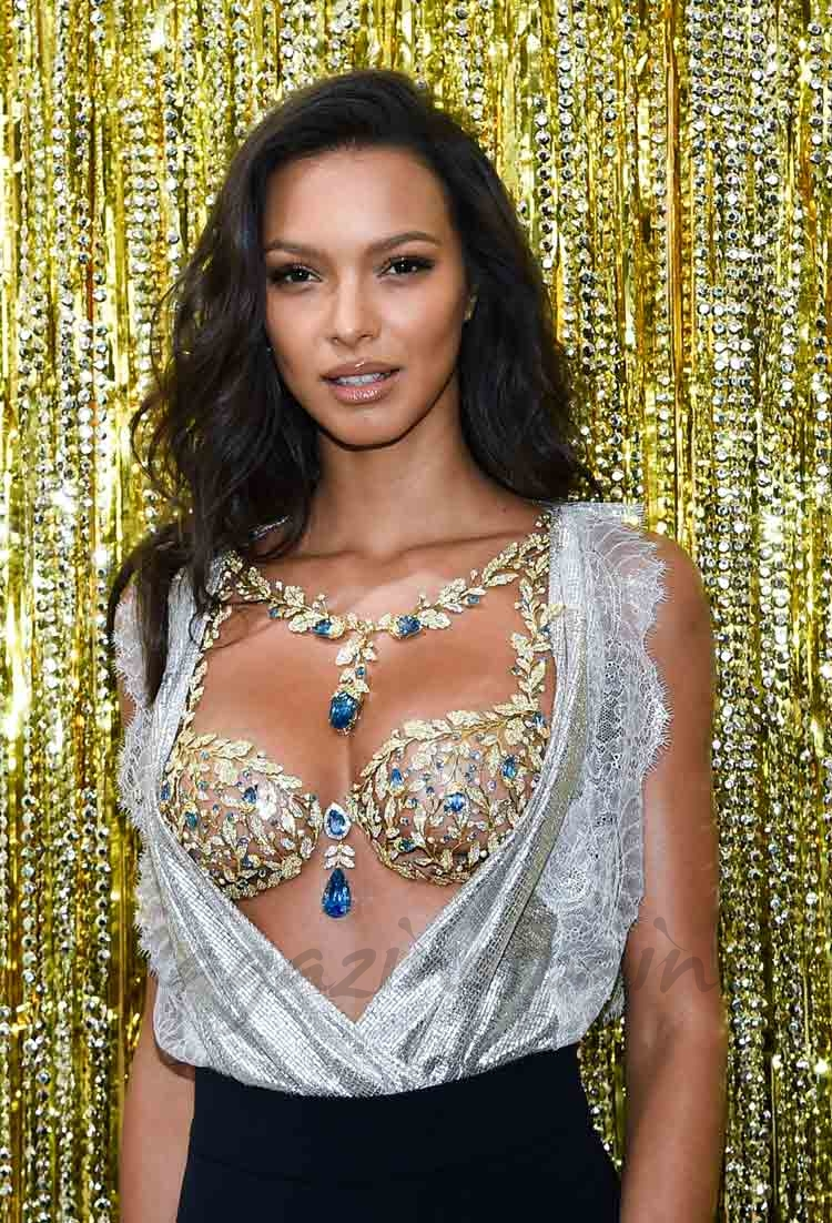 Lais Ribeiro en paris angel de victorias secret