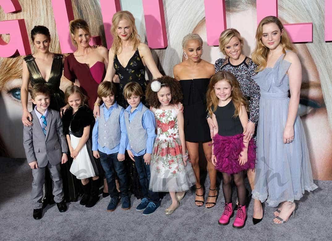 "Laura Dern, Nicole Kidman, Shailene Woodley, Zoe Kravitz y Reese Witherspoon con sus ""hijos"" en Big Little Lies"