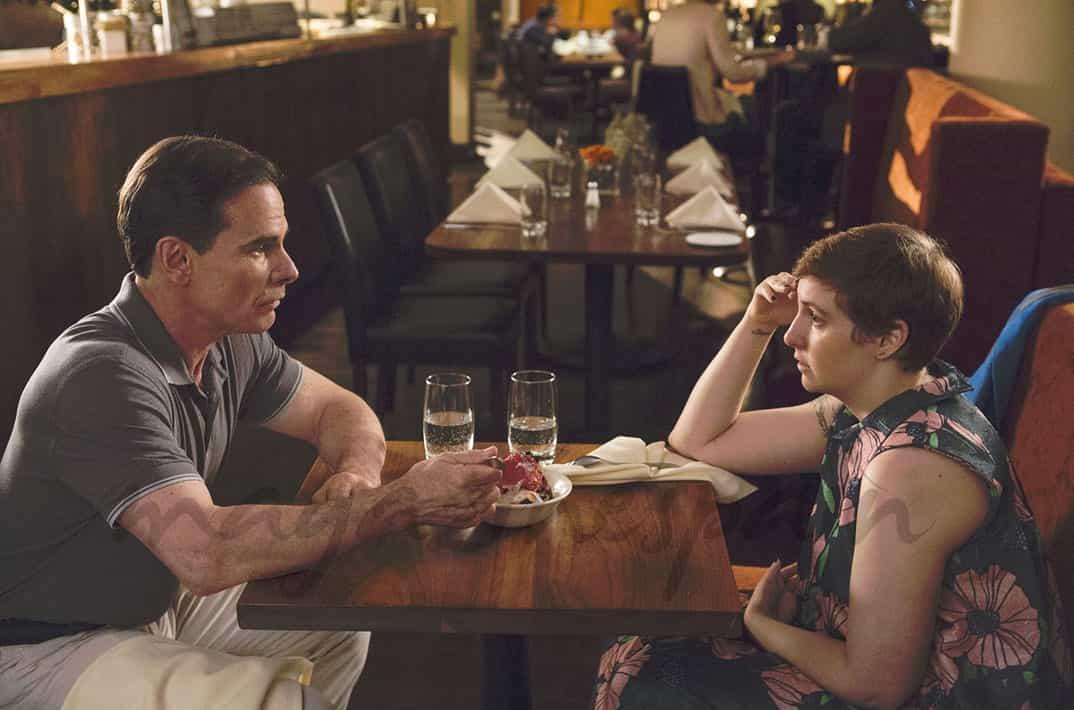 "Lena Dunham y Peter Scolari - ""Girls"" - © HBO"