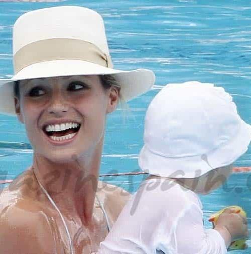 Michelle Hunziker espectacular