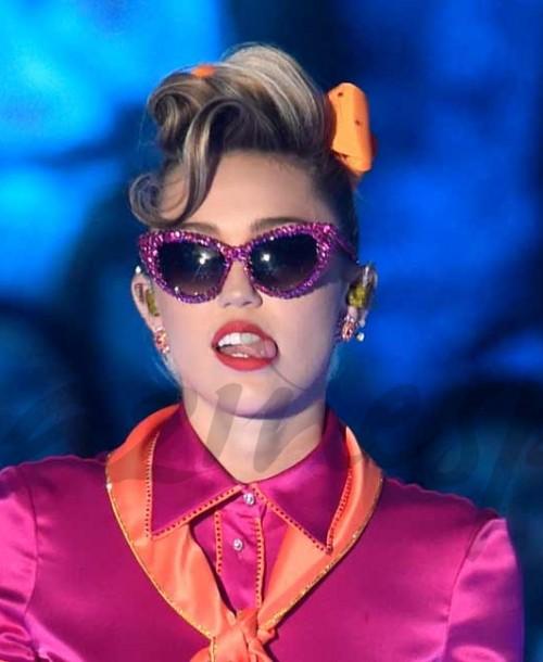 """Miley Cyrus la """"reina"""" del escándalo"""