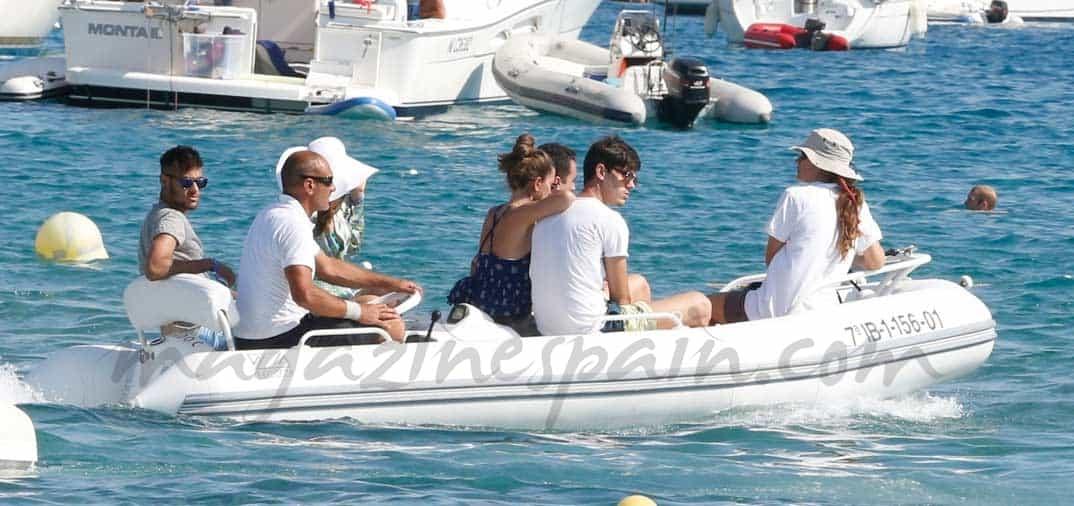 Neymar bajo el sol de la isla pitiusa
