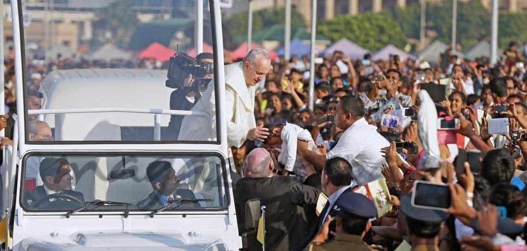 Espectacular recibimiento al Papa Francisco en Filipinas