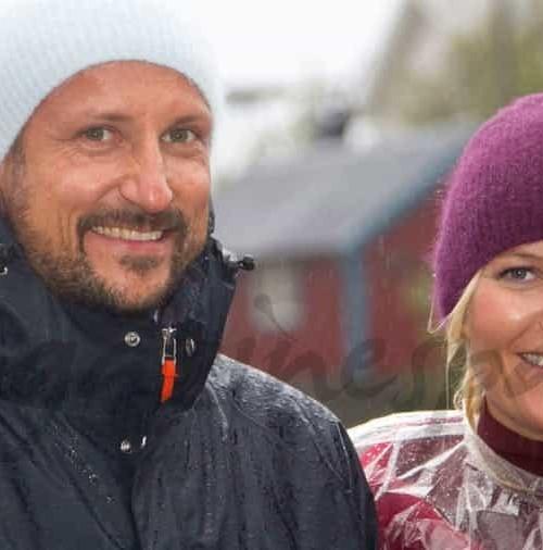 Haakon y Mette Marit, al mal tiempo, buena cara…