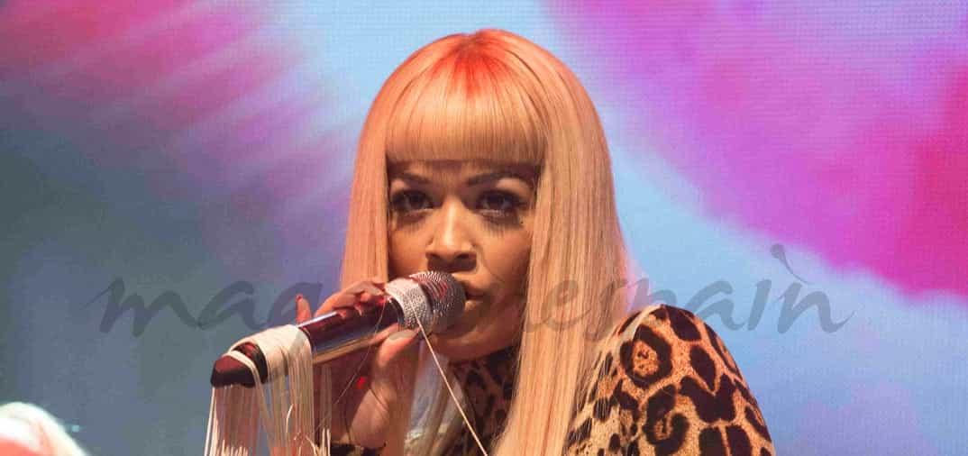 Rita Ora muy agresiva, triunfó en Weston Park