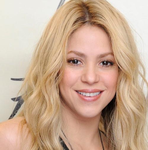 Shakira presenta su fragancia más rockera