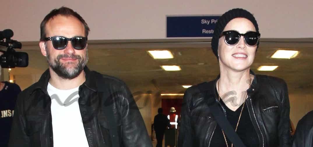 Sharon Stone y David DeLuise ya no esconden su amor