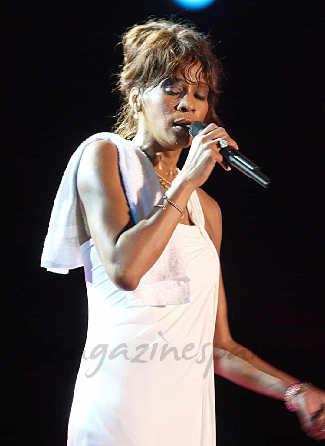 """Recopilación de actuaciones en directo de Whitney Houston, """"trailer"""""""