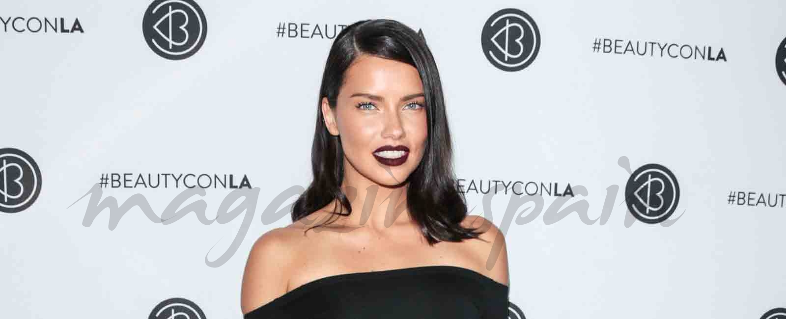 Adriana Lima apuesta por el negro,  en el 5º Festival Anual de Beautycon en Los Ángeles
