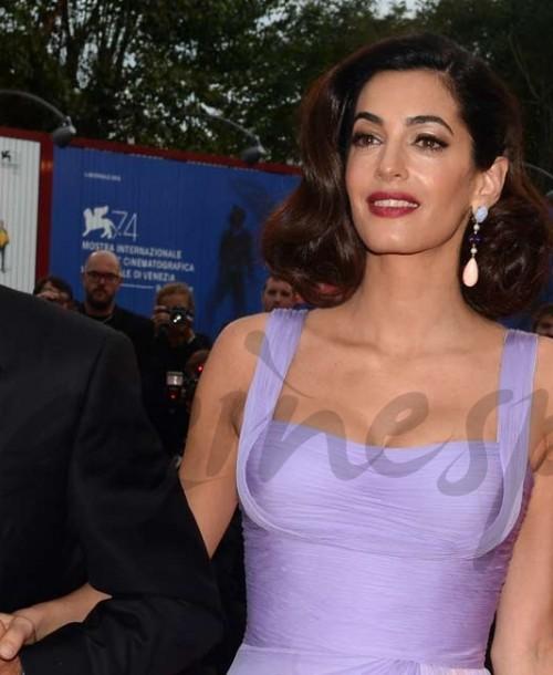 George y Amal Clooney, dos enamorados sobre la alfombra roja en Venecia