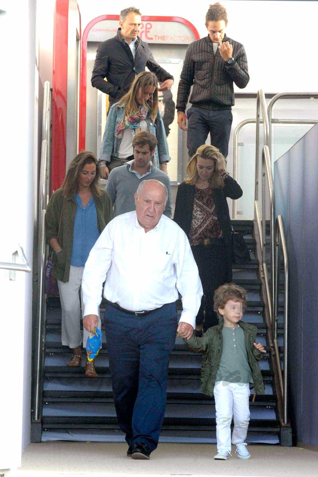 Amancio Ortega y familia